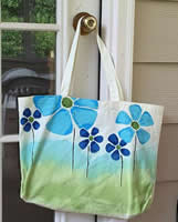 DecoArt So Soft Posies Tote Bag