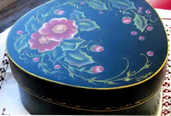 Holly and Wild Roses Wedgewood Box