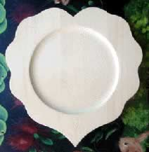 Wooden Plate Scalloped Heart